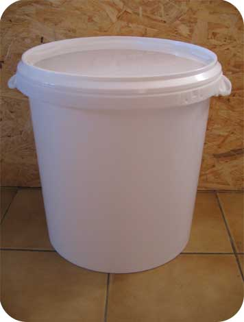 seau plastique toilette s che seau toilette seche. Black Bedroom Furniture Sets. Home Design Ideas